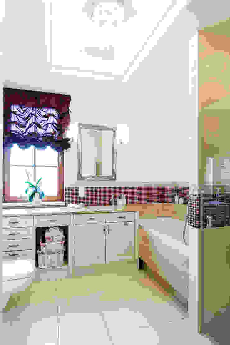 Dom w Bielicach Klasyczna łazienka od Gzowska&Ossowska Pracownie Architektury Wnętrz Klasyczny