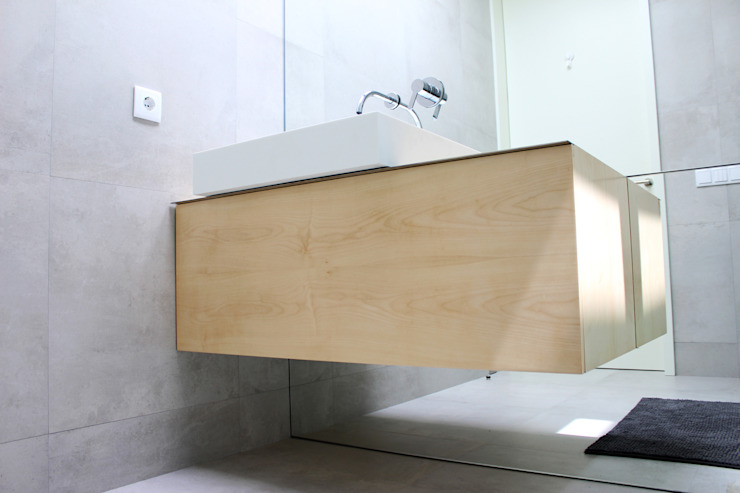 Bathroom by PFS-arquitectura, Minimalist
