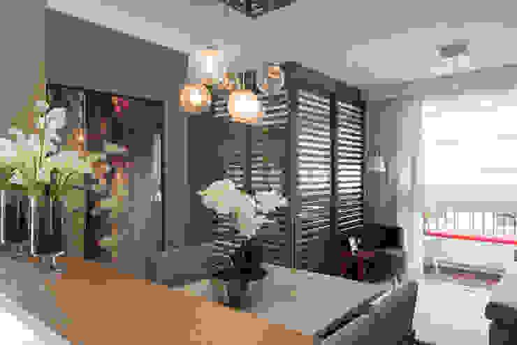 Ipiranga | Decorados Salas de jantar modernas por SESSO & DALANEZI Moderno
