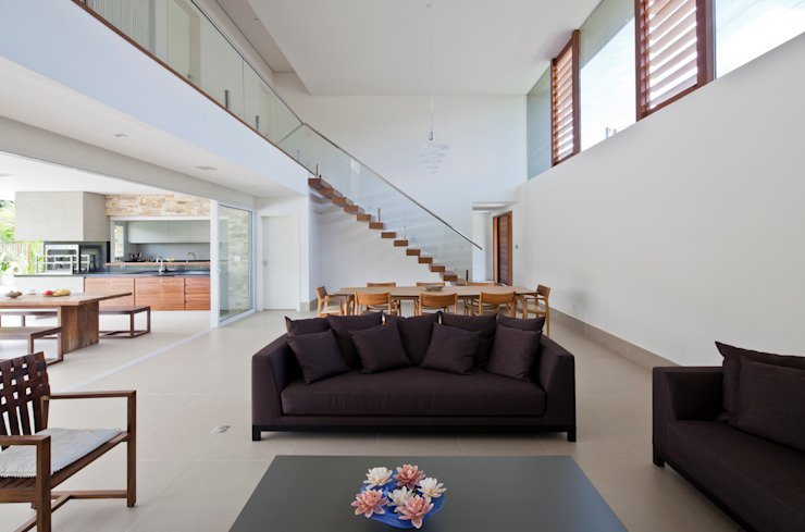 Living room by Conrado Ceravolo Arquitetos