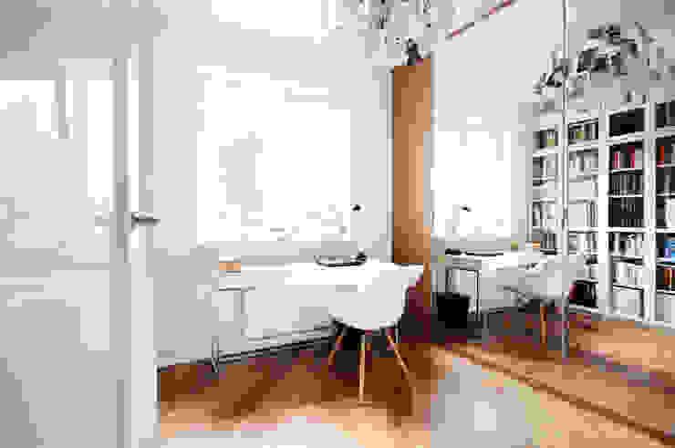 Modern Study Room and Home Office by IDEALS . Marta Jaślan Interiors Modern