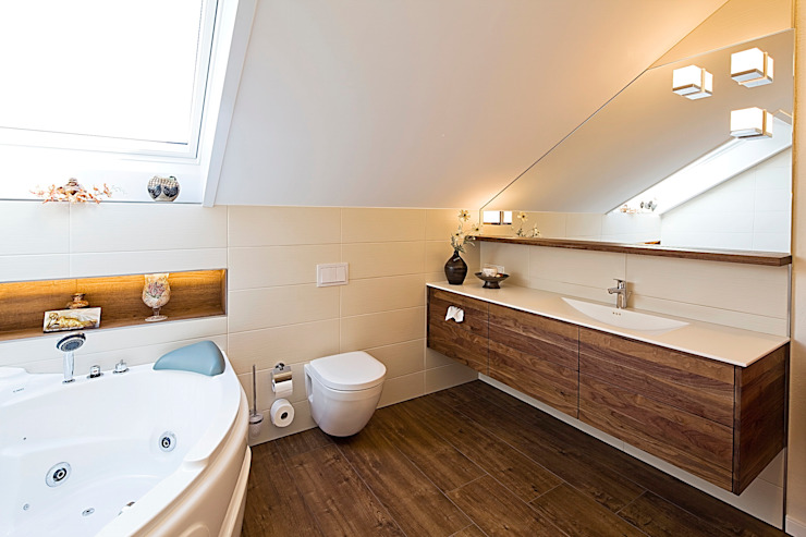 Modern bathroom by Kiebitzberg® Gruppe Modern