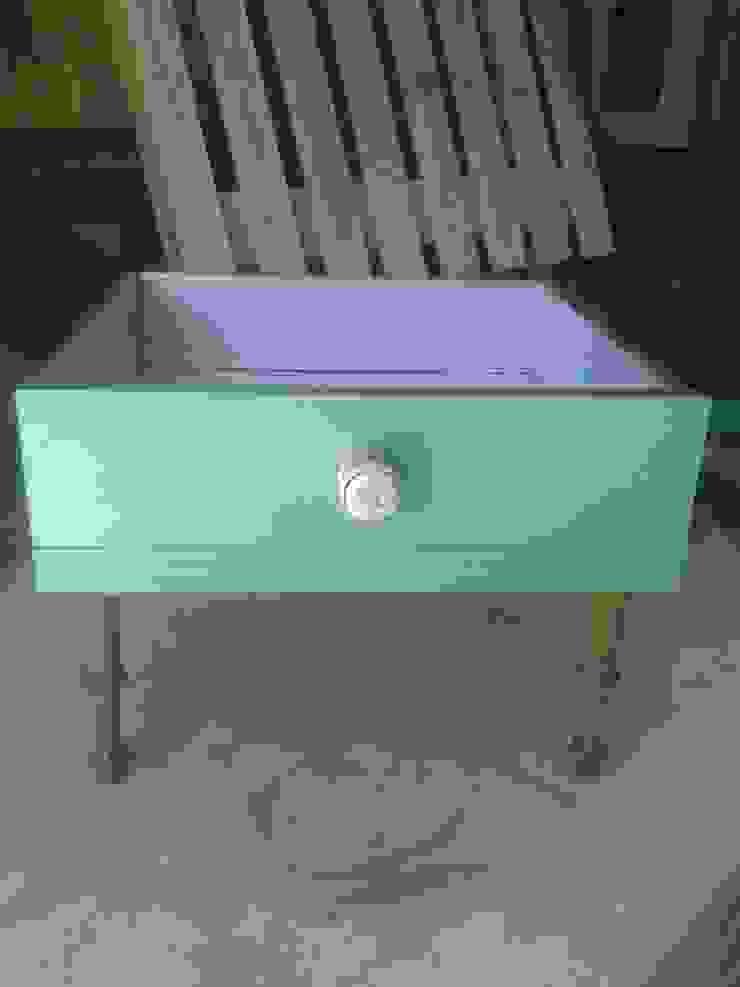 Era uma gaveta....poderá ser uma mesa por Paulo Broughton