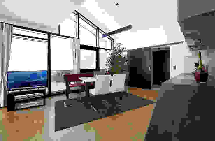 TOP LEVEL APARTMENTS Moderne Hotels von EINFACH3 Architekten Ziviltechniker KG Modern Holzwerkstoff Transparent