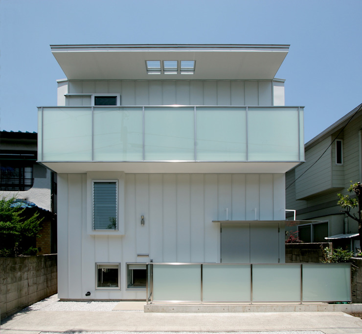Modern houses by K. Shindo Architects and Associates Modern