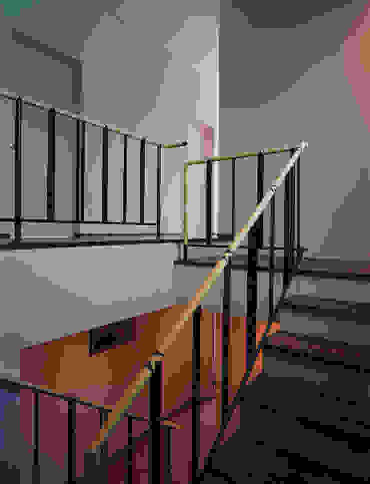 聖ヴィアトール修道会 北白川修道院 モダンスタイルの 玄関&廊下&階段 の boston-5 モダン