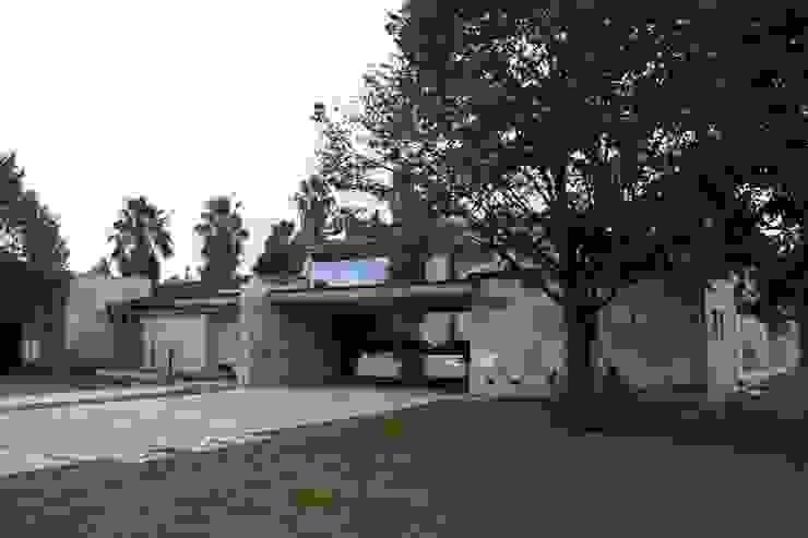 vivenda unifamilar MORENO Casas modernas: Ideas, imágenes y decoración de cm espacio & arquitectura srl Moderno