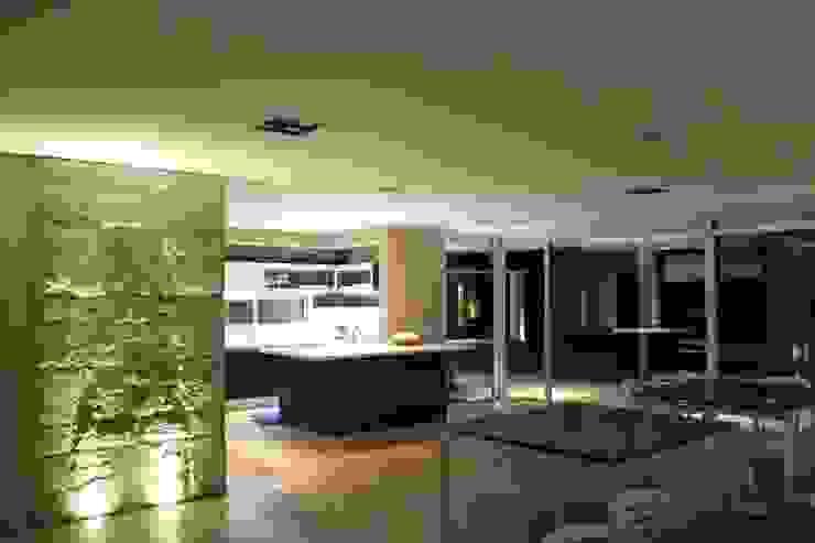 vivenda unifamilar MORENO Livings modernos: Ideas, imágenes y decoración de cm espacio & arquitectura srl Moderno