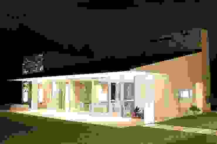 Moderne Häuser von cm espacio & arquitectura srl Modern