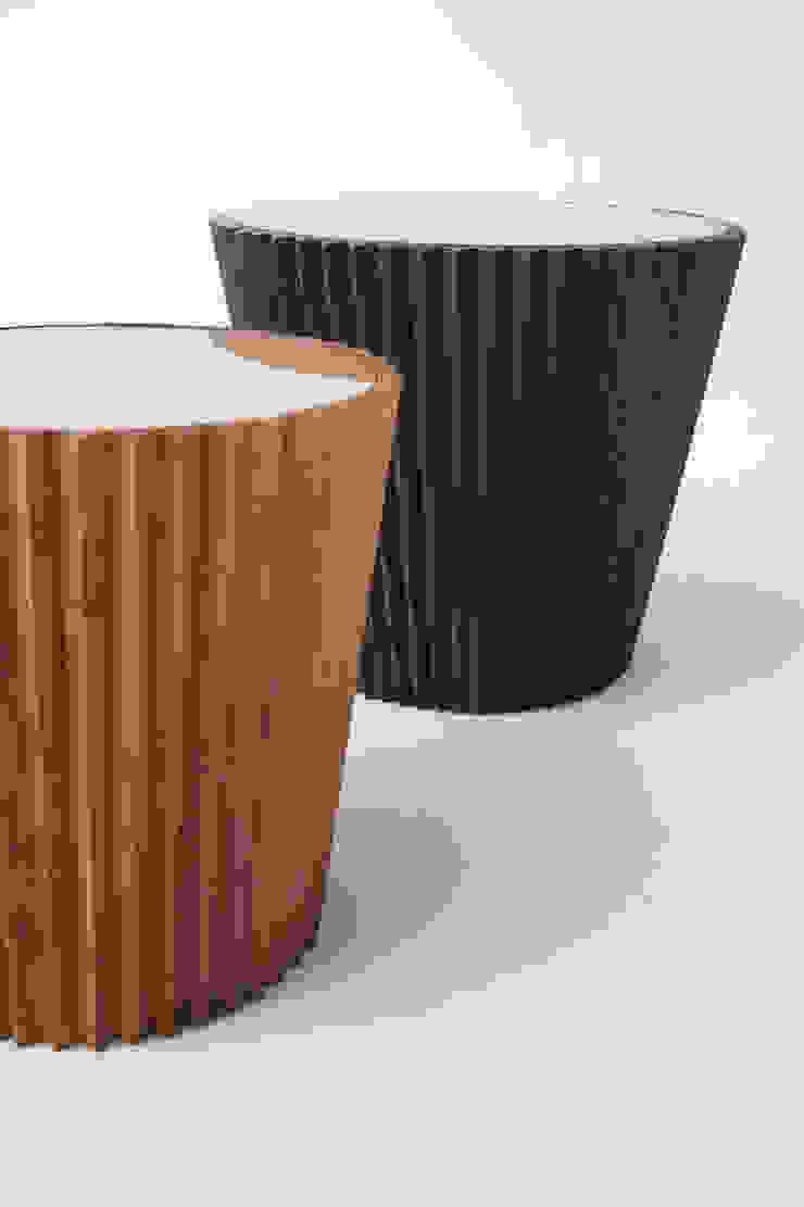 Mesa Lateral | Linha Lara por estudiobola Moderno