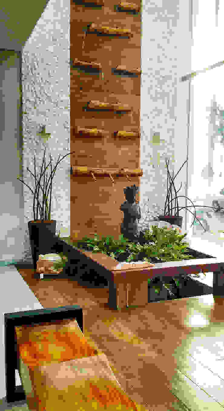 ESPAÇO LA CAZA / SEDE SIMONE FLORES ARQUITETOS & ASSOCIADOS Edifícios comerciais tropicais por Simone Flores Arquitetos & Associados Tropical