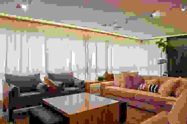 Neutro chique Salas de estar modernas por Leticia Sá Arquitetos Moderno