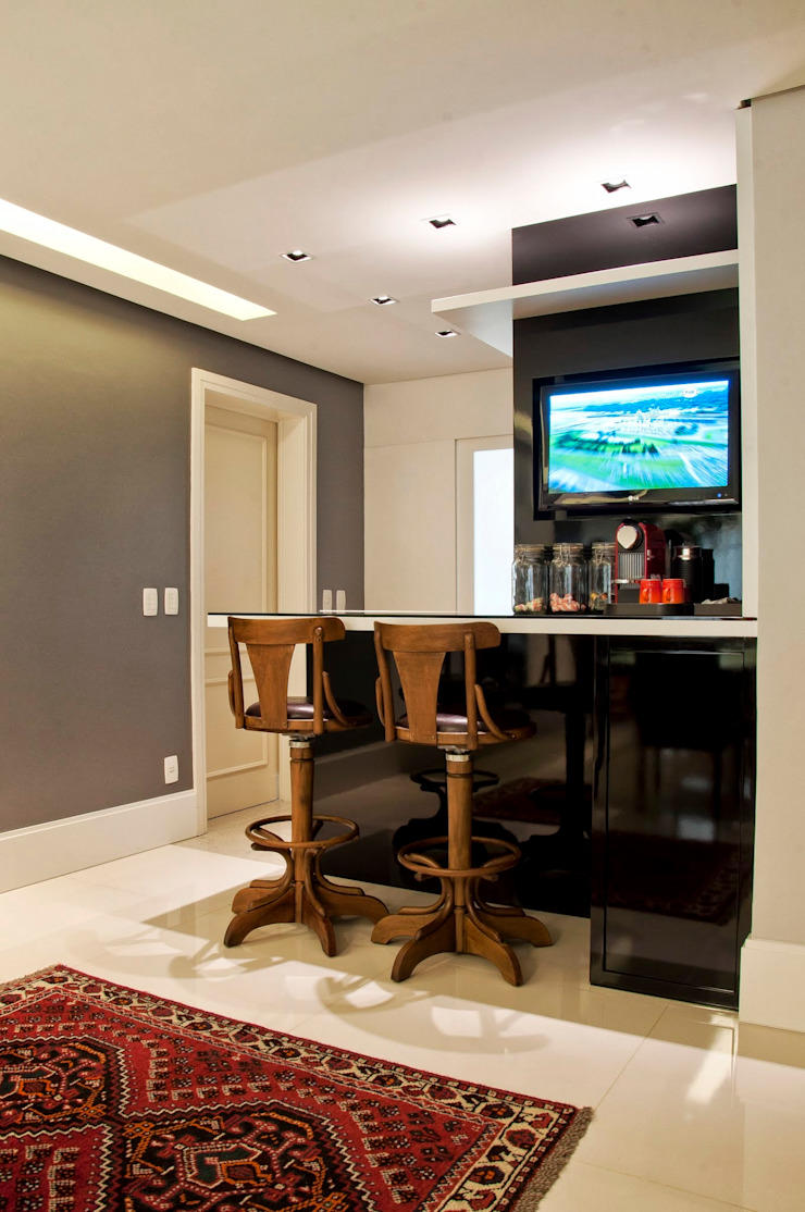 Churrasqueira Salas de estar modernas por Leticia Sá Arquitetos Moderno