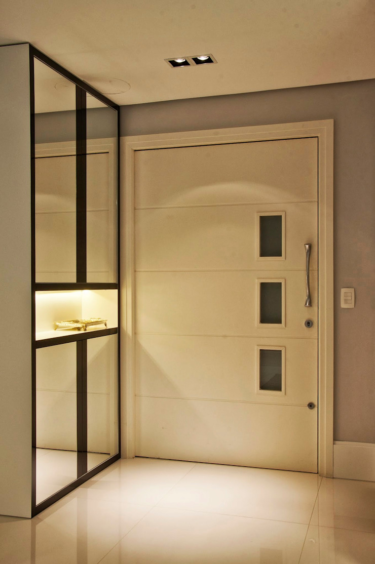 Chapeleira Corredores, halls e escadas modernos por Leticia Sá Arquitetos Moderno
