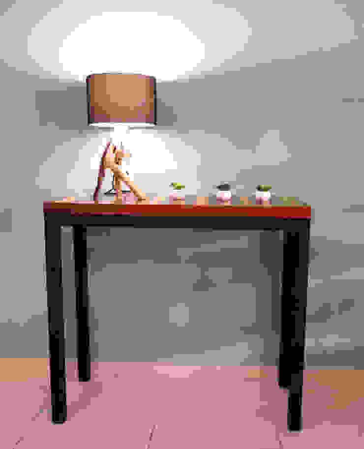 Recibidor de Diseñería 72ocho10 Minimalista Madera Acabado en madera