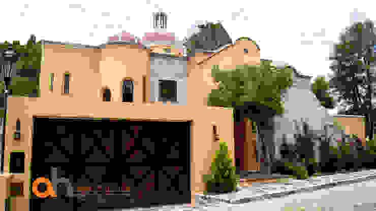 Eklektyczne domy od AH Arquitectos Hernandez Eklektyczny