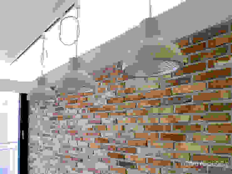 인더스트리얼 느낌의 30평 아파트 인테리어 인더스트리얼 거실 by 홍예디자인 인더스트리얼