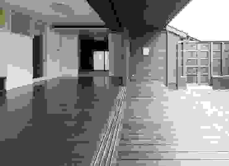LDK-縁側-庭 モダンデザインの リビング の フィールド建築設計舎 モダン