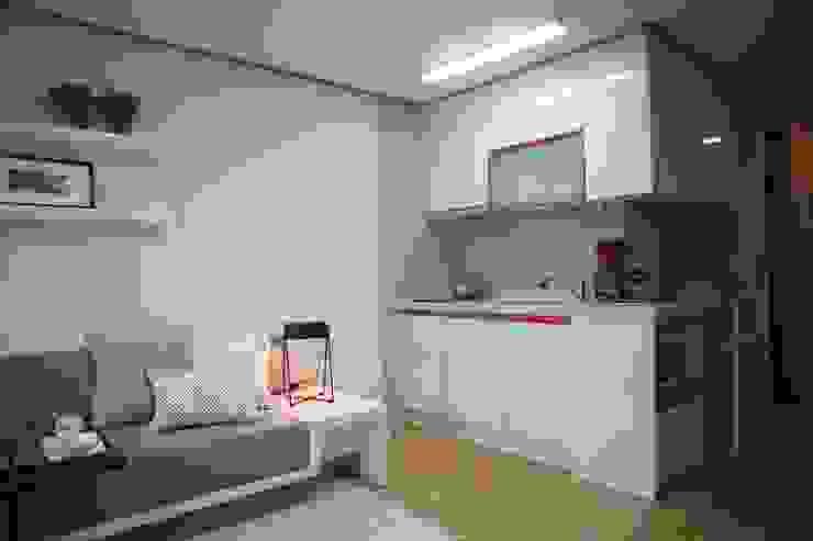 Modern Dining Room by design seoha Modern