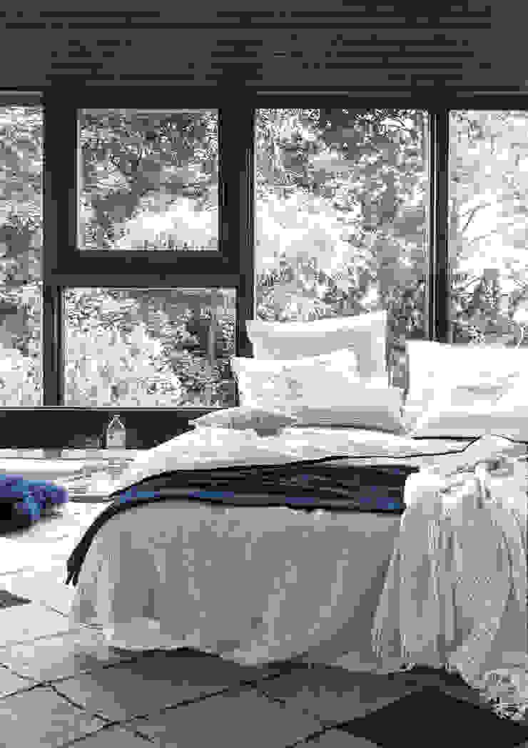 Dormitorios de estilo moderno de 'zoeppritz since 1828' Moderno
