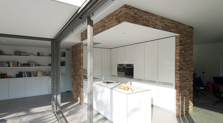 by OTTENVANECK architecten & vormgevers