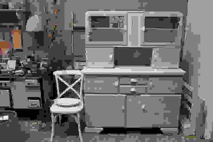 WohnSchwestern KitchenCabinets & shelves Wood White