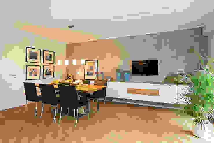 Ein Reihenhaus zum Wohlfühlen Moderne Wohnzimmer von Zimmermanns Kreatives Wohnen Modern Holz Holznachbildung