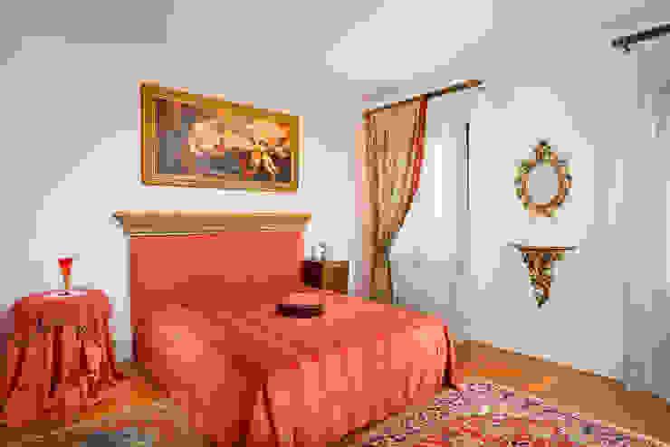 Bedroom by Matteo Crema Fotografo,