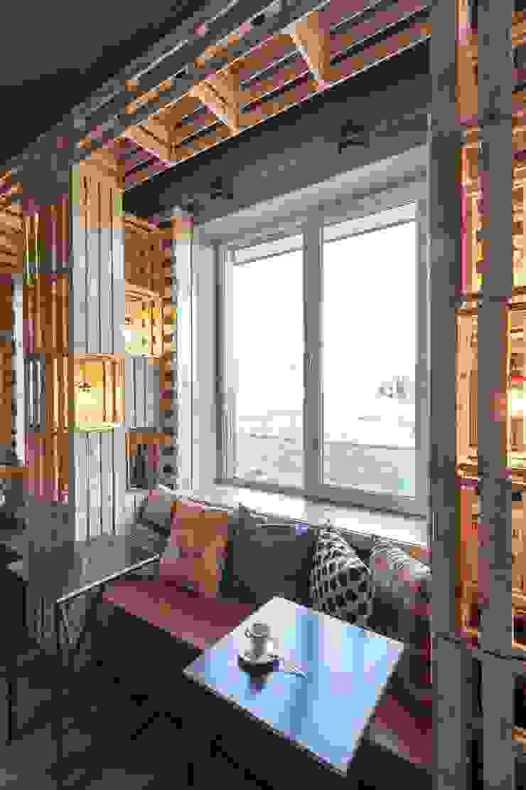 Кофе-бар <q>Пенка</q> Столовая комната в стиле лофт от EUGENE MESHCHERUK   architecture & interiors Лофт