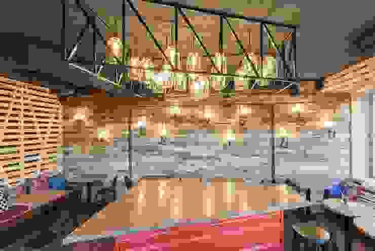 Comedores industriales de EUGENE MESHCHERUK | architecture & interiors Industrial