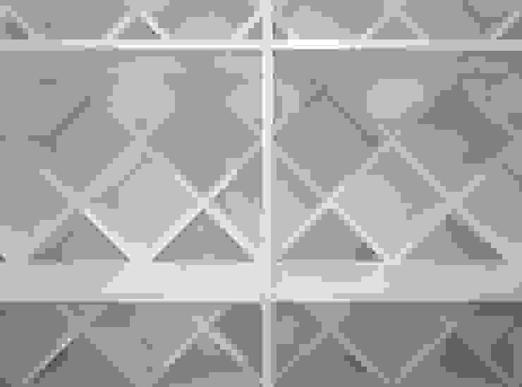 Superimposition House Renovation 高田博章建築設計 Modern walls & floors Wood White