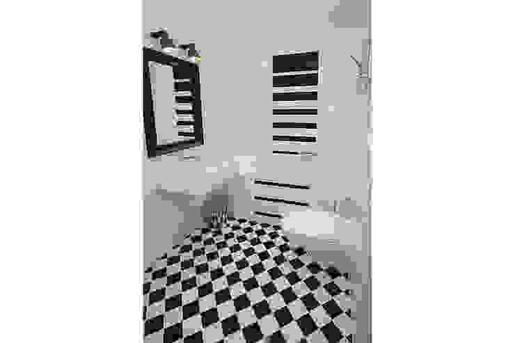 Modern Bathroom by IDAFO projektowanie wnętrz i wykończenie Modern Tiles