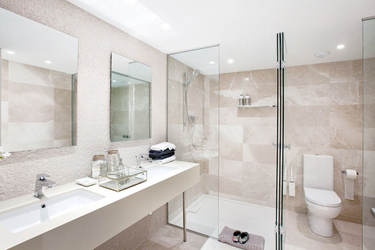 Classic style bathroom by INEDIT INTERIORISTAS Classic