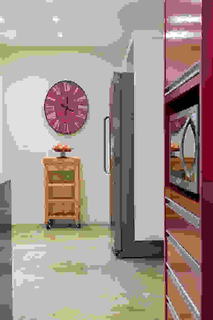 Danielle Tassi Arquitetura e Interiores Moderne Küchen