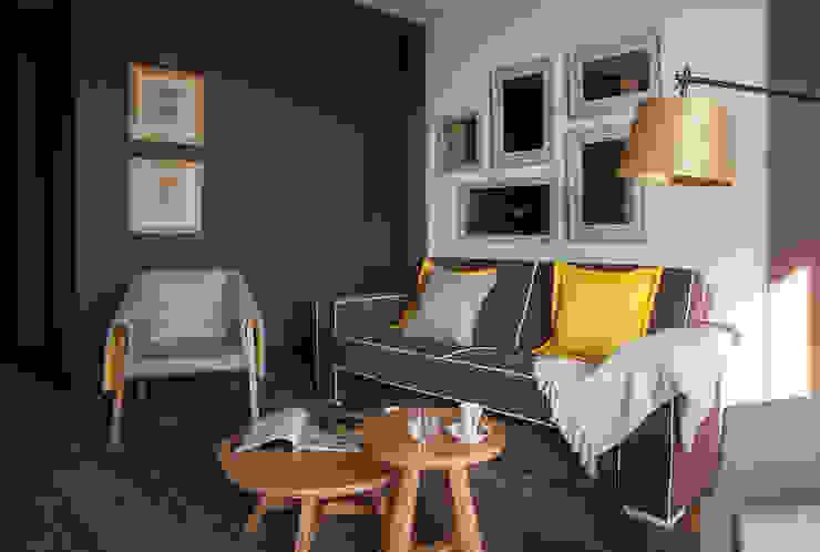 Temática da suite alusiva ao lírio Hotéis campestres por Tralhão Design Center Campestre