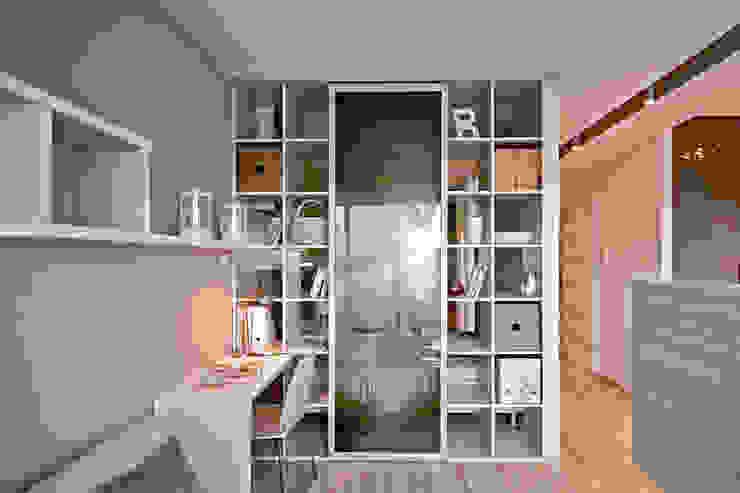 Livings de estilo minimalista de IDAFO projektowanie wnętrz i wykończenie Minimalista