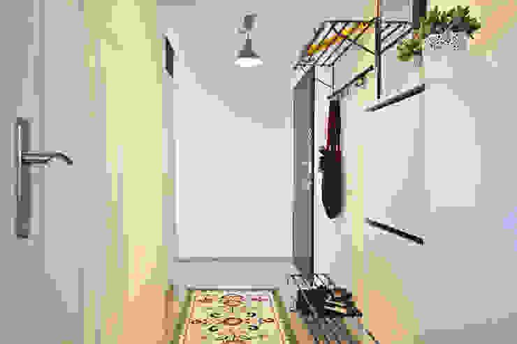 Rustic style corridor, hallway & stairs by IDAFO projektowanie wnętrz i wykończenie Rustic