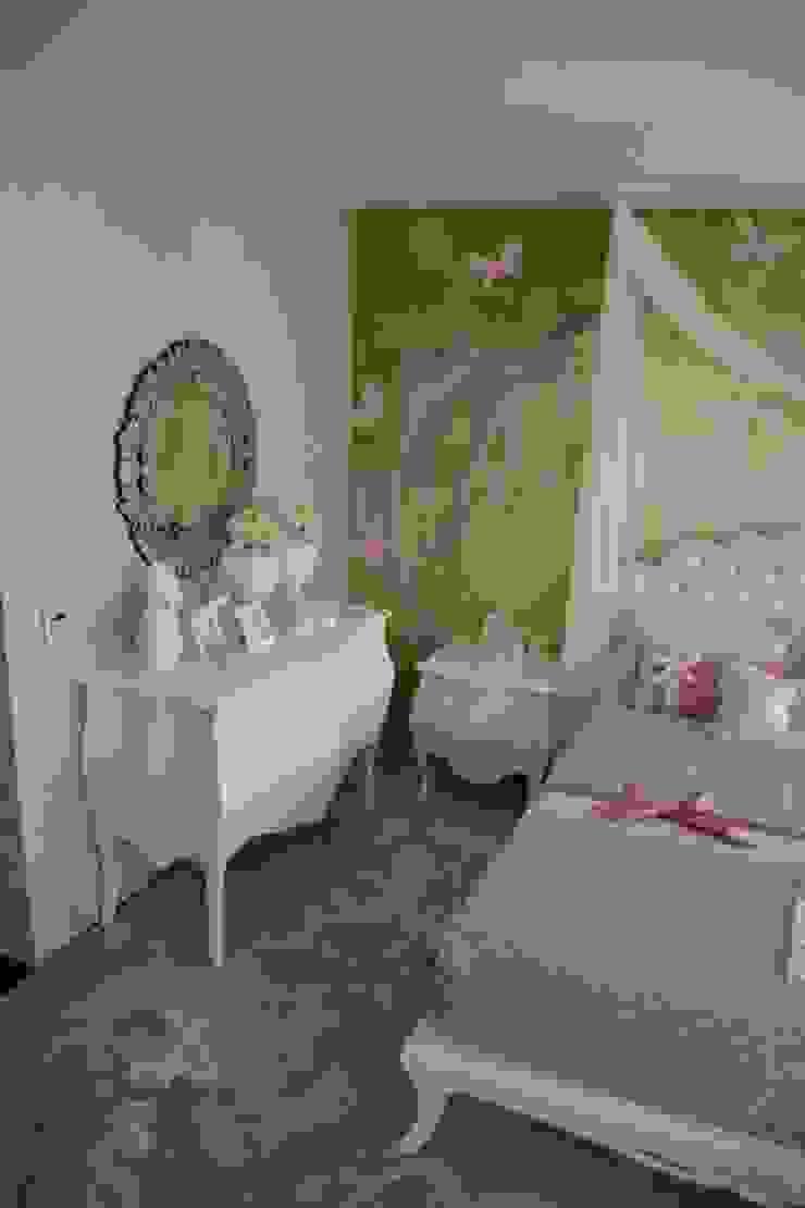 Projeto e Decoração – Quarto Princesa Salas de estar modernas por Detalhes & Design Moderno