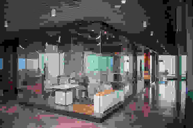 Grupo Loop Construcción Modern office buildings