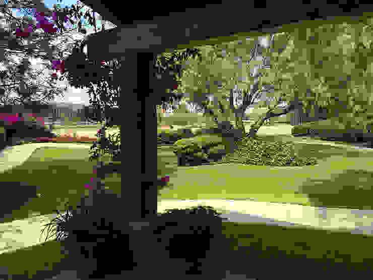 Olivos 611, Jurica, Querétaro: Jardines de estilo  por Hábitas, Mediterráneo