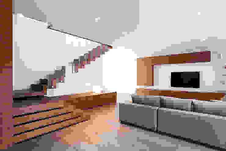 Z House Minimalist living room by EXiT architetti associati Minimalist Wood Wood effect