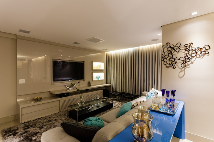 Apartamento Gutierrez Salas de estar clássicas por Interiores Iara Santos Clássico