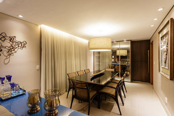 Apartamento Gutierrez Salas de jantar clássicas por Interiores Iara Santos Clássico