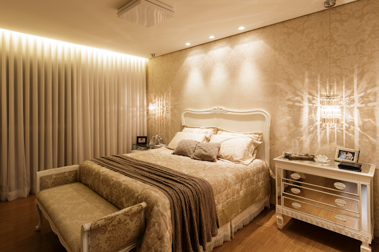 غرفة نوم تنفيذ Interiores Iara Santos, كلاسيكي