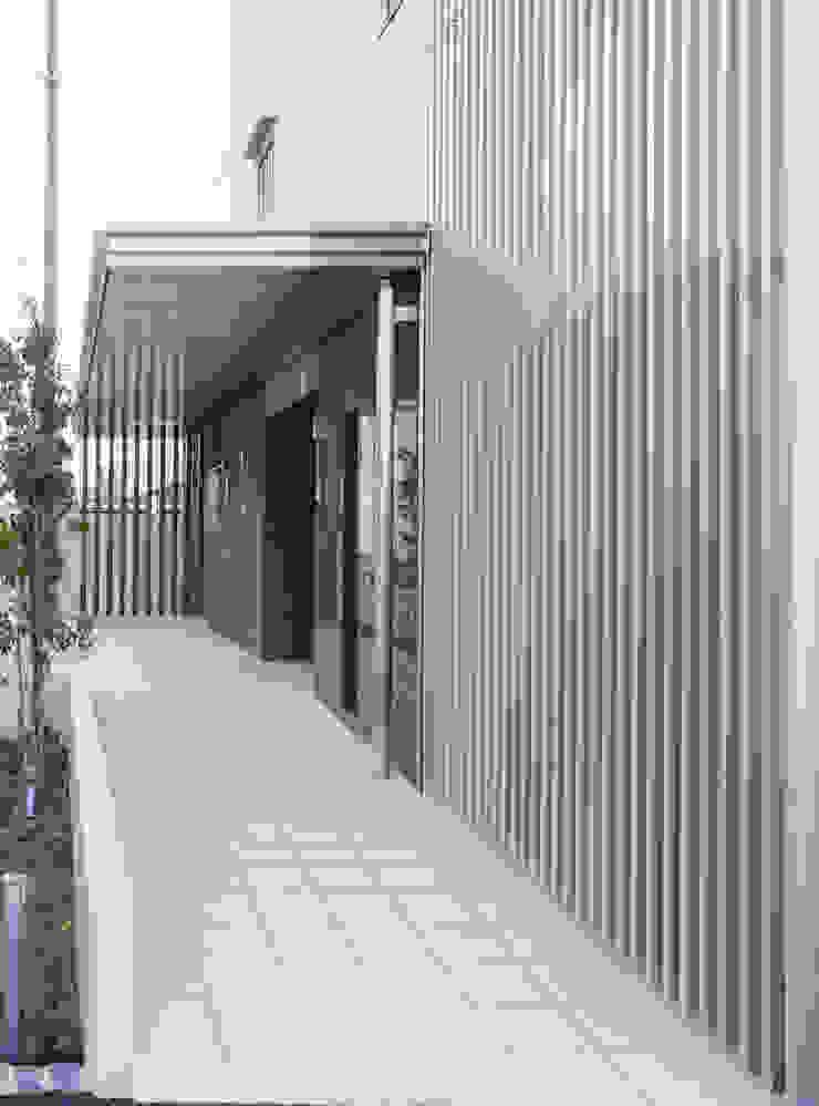 L' Allure Mellem モダンな 家 の 池野健建築設計室 モダン