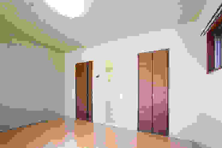 L' Allure Mellem モダンスタイルの寝室 の 池野健建築設計室 モダン