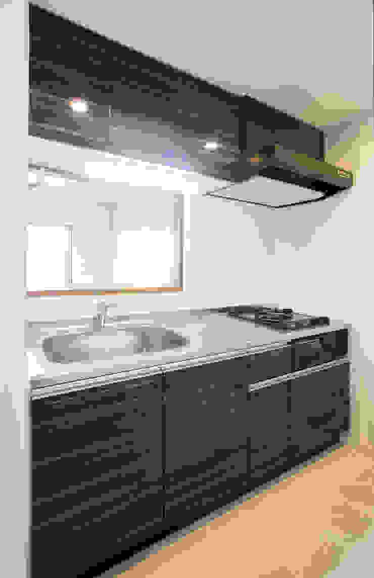 L' Allure Mellem モダンな キッチン の 池野健建築設計室 モダン