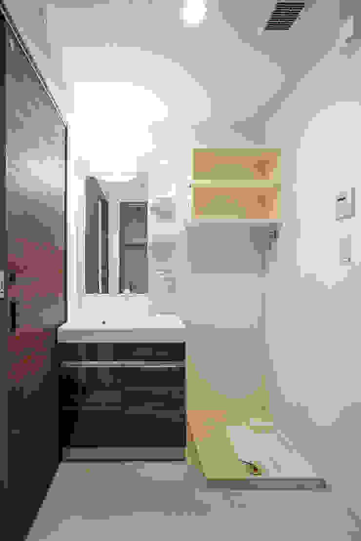 L' Allure Mellem モダンスタイルの お風呂 の 池野健建築設計室 モダン