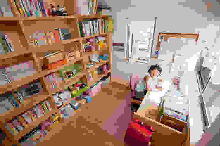 高取の家 モダンデザインの 子供部屋 の 株式会社 atelier waon モダン