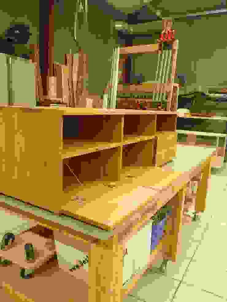 TV meubel van Atelier de Wig Scandinavisch